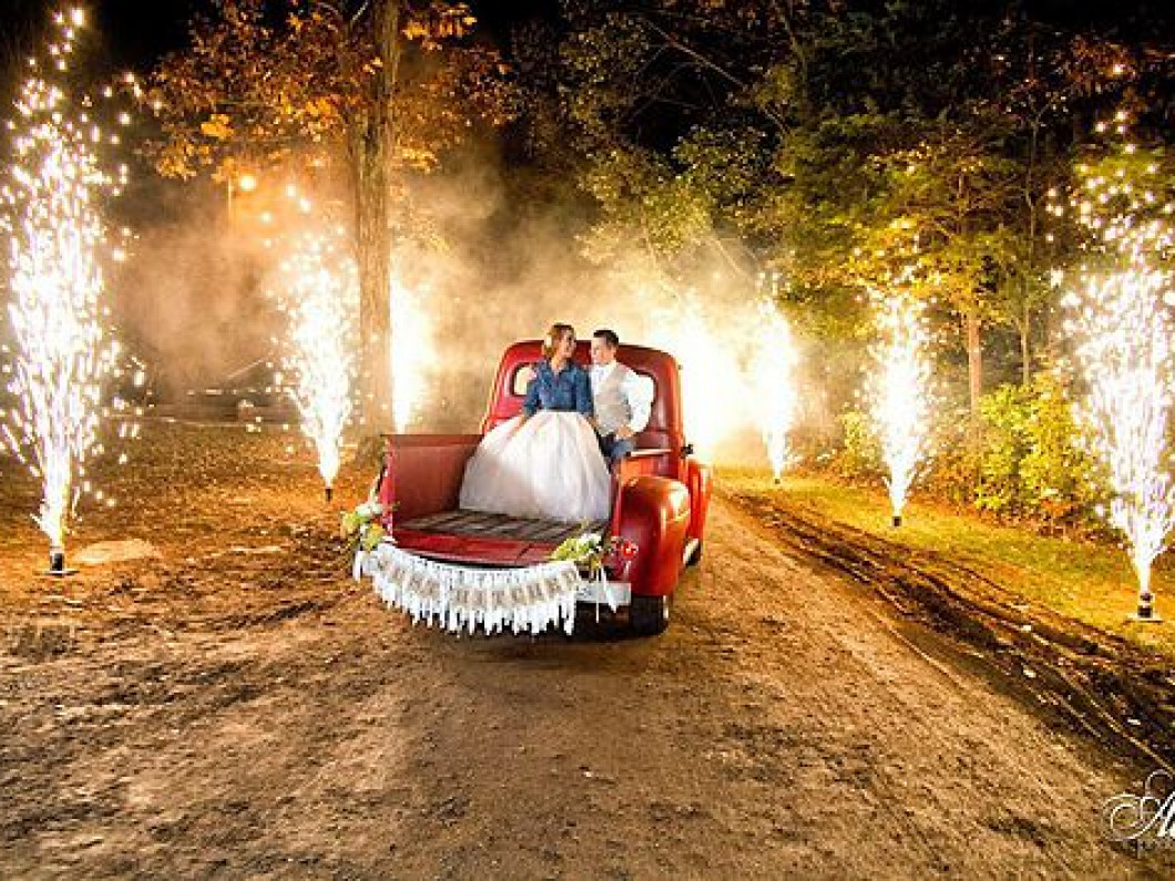 Hire a Fireworks Company for Your Wedding in Louisiana, Arkansas, Mississippi, or Texas